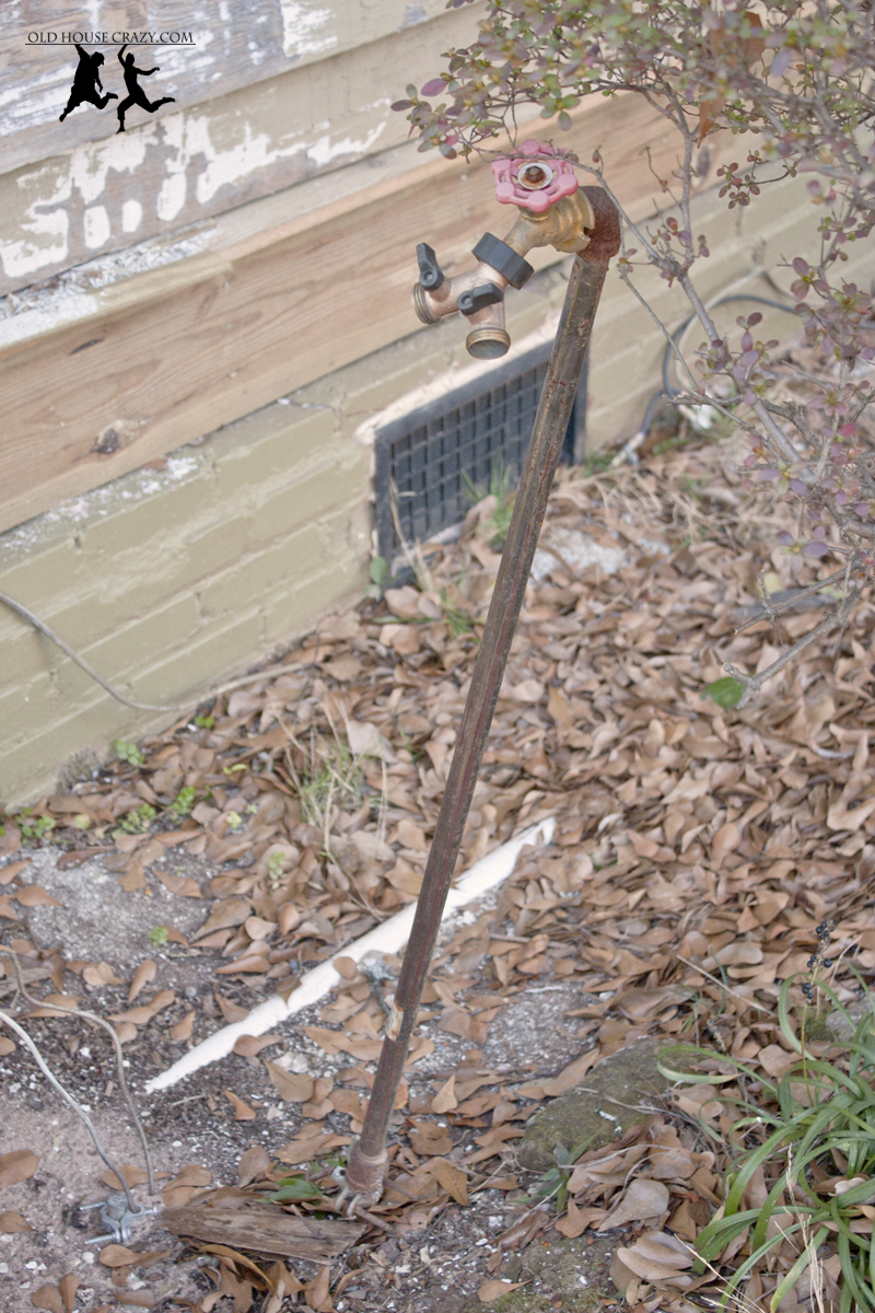 Protecting outside pipes from freezing diy old house crazy for Best water pipe for outside