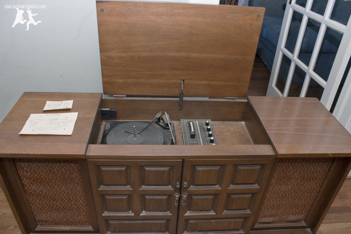 Vintage Stereo Cabinet With Turntable Home Decor