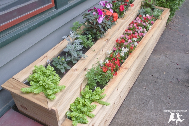 Old House Crazy - DIY - Build a Custom Two-Tiered Flower Planter - 17